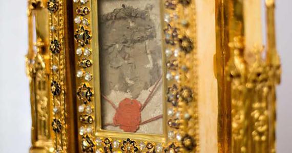 V pondelok bude Slovensku opäť udelené požehnanie relikviou Kristovej krvi z paluby lietadla – výzva k pripojeniu sa v modlitbe