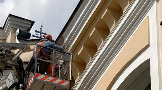 Oprava poškodených častí farského kostola