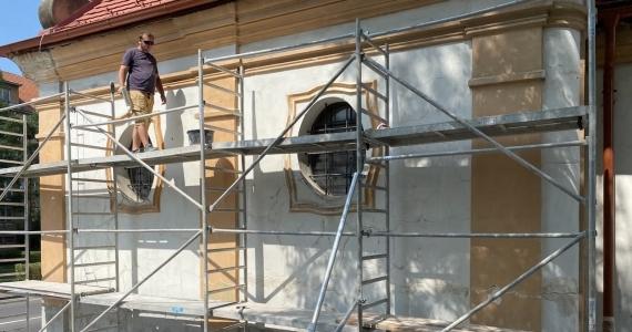 Renovácia omietky fasády kaplnky