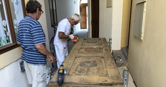 Renovácia dverí kostola