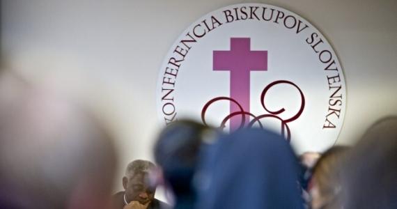 Od pondelka budú platiť nové pravidlá, týkajú sa aj verejných bohoslužieb